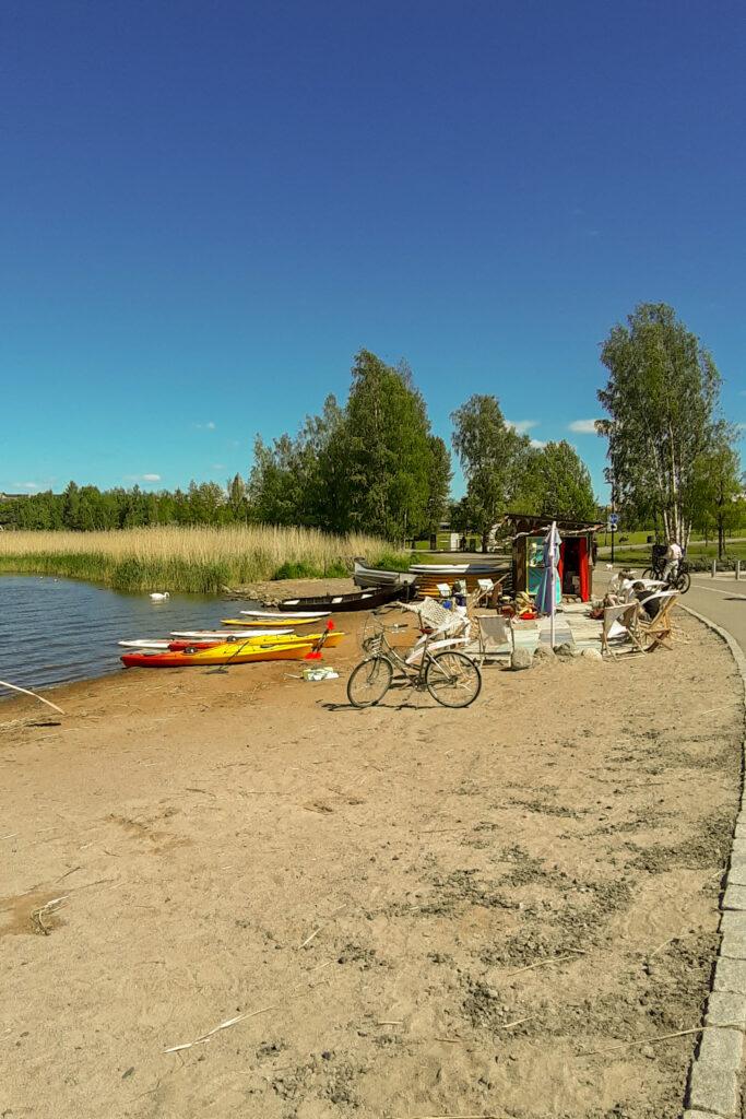Půjčovna paddle boardů v Töölönlahti. Řekla jsem si, že letos už to konečně zkusím!