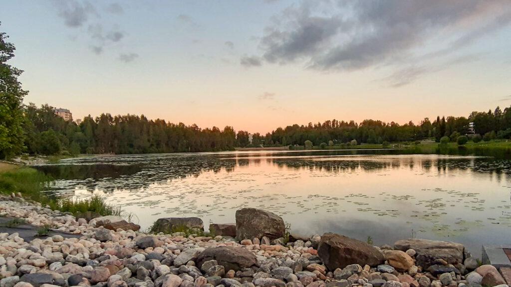 Kuopio - půlnoc - bílí noc - slunovrat
